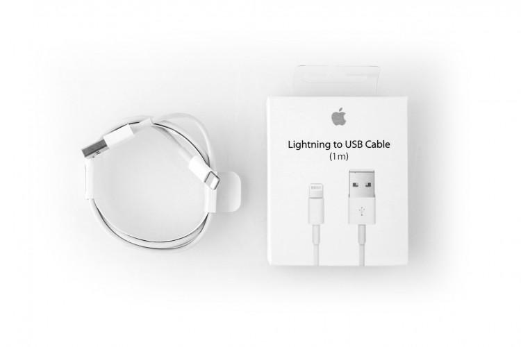 Дата-кабель USB (кабель зарядки) iPhone 6,  iPhone 5, iPad Mini, iPod Nano (белый, 1м) КОПИЯ В КОРОБ